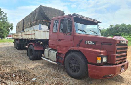 Caminhão Transportadora